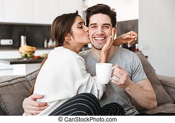 portré, közül, egy, boldog, young párosít, részeg kávécserje