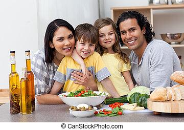 portré, közül, egy, család, konyhában