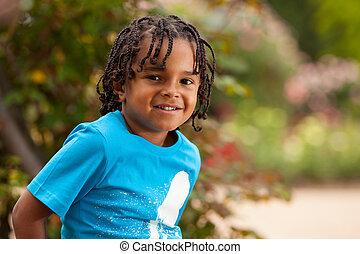 portré, közül, egy, csinos, african american, kicsi fiú