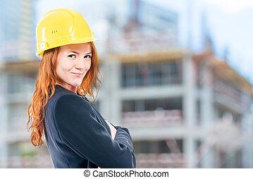 portré, közül, egy, női, építészmérnök, alatt, egy, sárga, sisak, -ban, egy, szerkesztés hely