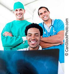 portrait, équipe, sourire, monde médical