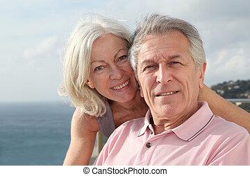 portrait aîné, sourire, couple