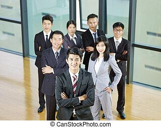 portrait, affaires asiatiques, équipe