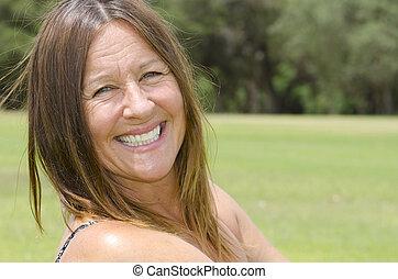 Portrait attractive mature woman