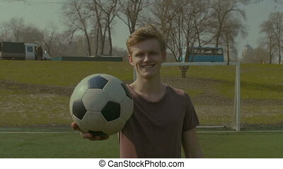 portrait, boule football, footballeur, pas