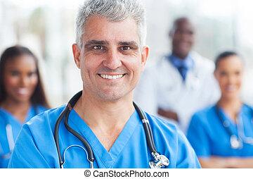portrait, chirurgien, personne agee, monde médical