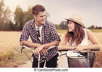 portrait, couple, bicycles, heureux