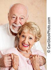 portrait, couple heureux, personne agee