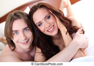 portrait, couple, jeune, lit