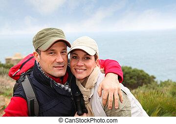 portrait, couple, jour, randonnée, heureux
