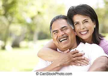 portrait, couple, parc, personne agee