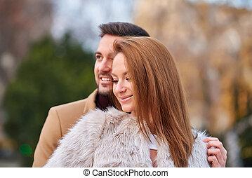 portrait, couple, ville