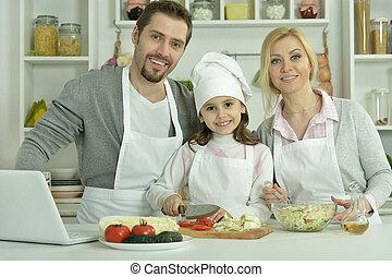 portrait, cuisine, famille heureuse, cuisine