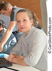 portrait, de, étudiant, girl, dans, formation, cours