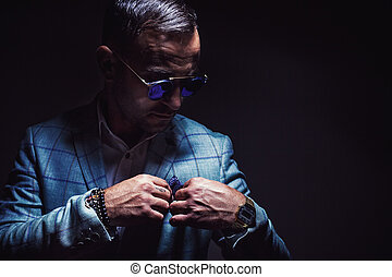portrait, de, a, homme, à, veston bleu