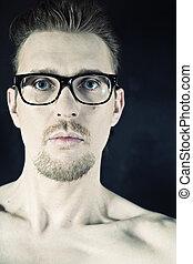 portrait, de, a, jeune homme, dans, lunettes