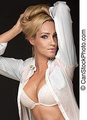 portrait, de, blond, dame, dans, blanc, underwear.