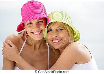 portrait, de, deux femmes, plage