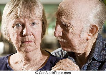 portrait, de, inquiété, couples aînés