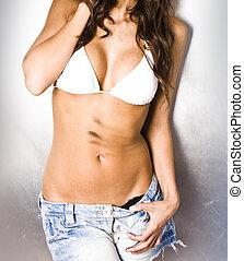 portrait, de, sale, sexy, femme, à, bikini, et, cheveux mouillés