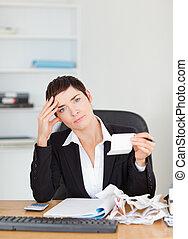 portrait, de, une, comptable, vérification, recettes