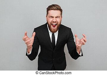 portrait, de, une, fâché, homme barbu, dans, complet, cris