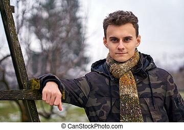 portrait, extérieur, jeune homme