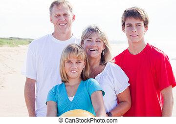 portrait famille, sur, plage
