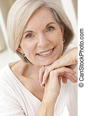 portrait, femme aînée, séduisant