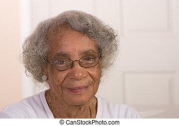 portrait, femme américaine, retiré, africaine