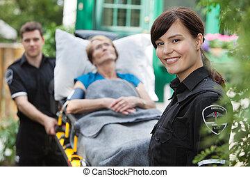 portrait, femme, ambulance
