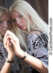 portrait, femme, blonds