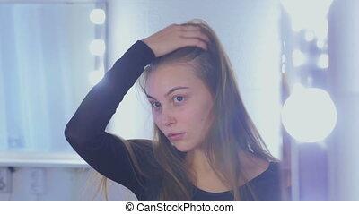 portrait, femme, joli, maquillage, sans