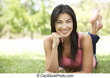 portrait, femme, parc, jeune