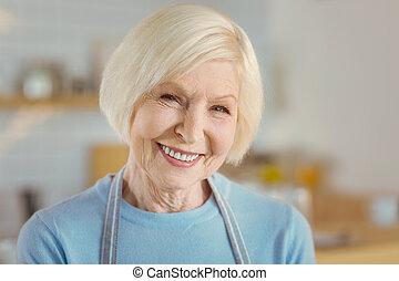 portrait, femme, vieilli, enchanté