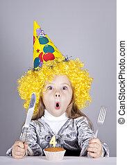 portrait, girl, anniversaire, jeune, cake.