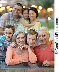 portrait, grand, famille, heureux