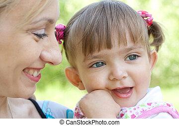 portrait, heureux, fille, mère