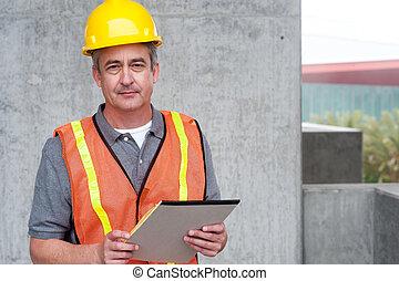 portrait, heureux, ouvrier, construction