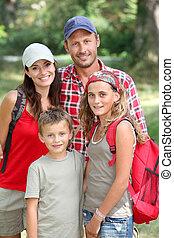portrait, heureux, randonnée, jour famille