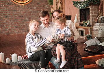 portrait, heureux, veille, noël famille