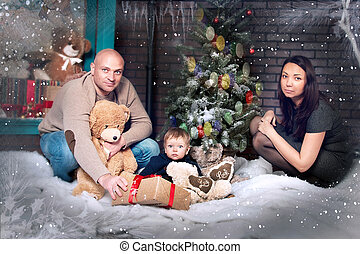 portrait, jeune famille, noël