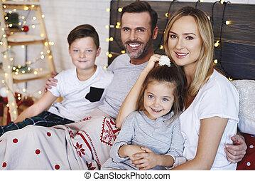 portrait, lit, noël famille