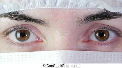 portrait, masque, haut, yeux, fin, ou, femme, chirurgien, docteur, opération, clinic., prêt, hôpital, docteur