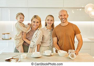portrait, moderne, famille, cuisine