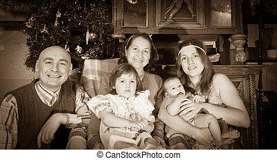 portrait, noël heureux, famille