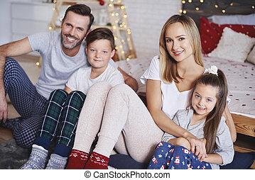 portrait, noël heureux, temps famille