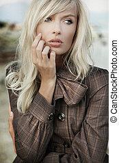 Portrait od amazing blonde girl