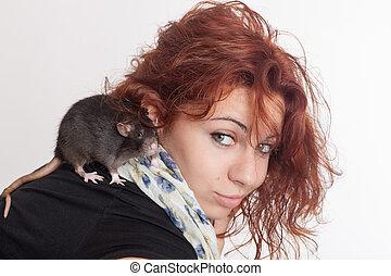 girl with a pet rat
