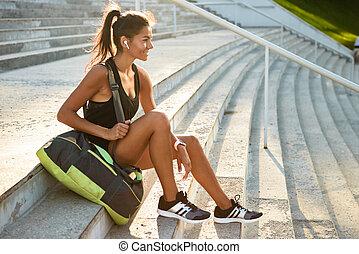 Portrait of a smiling sportsgirl
